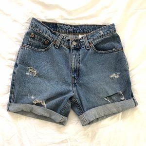 Levis Vintage High Rise Mom Jean Shorts Size 7